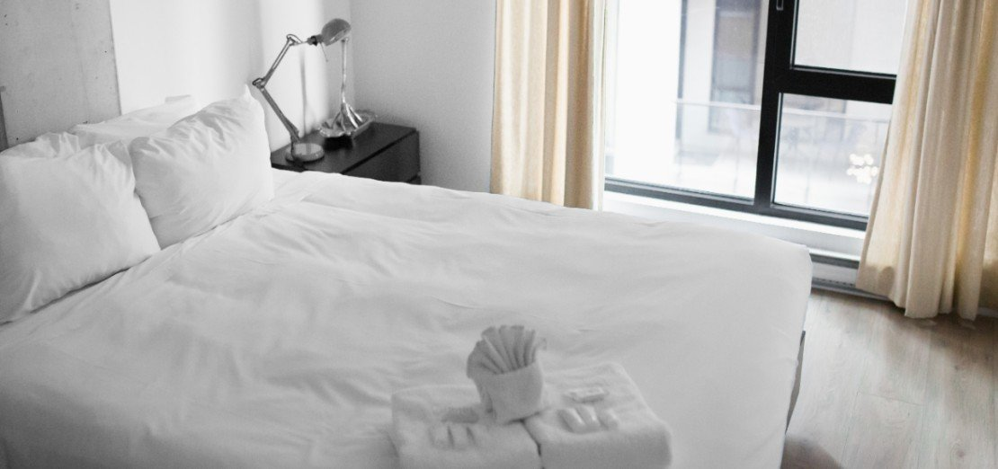 Keep your bed free of dust to avoid allergies.