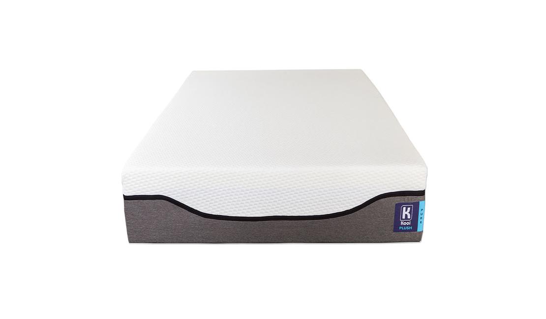 The Kooi Pure Plush Mattress comes in a box.