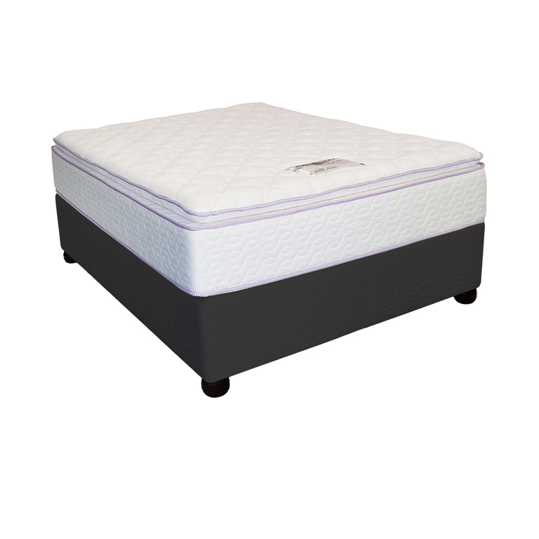 Cloud Nine Chateau - Queen Bed