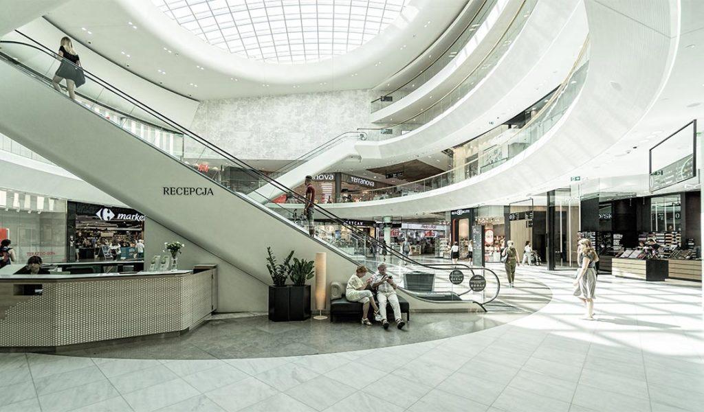 Calm mall setting
