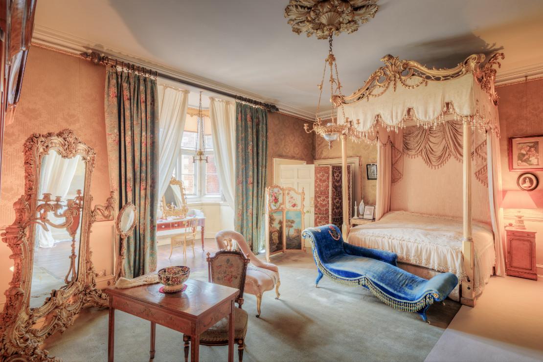 fashionable bedroom
